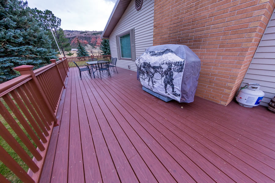 Huge deck with grill